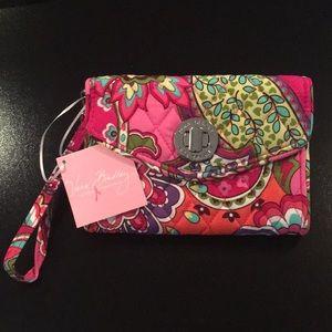Vera Bradley Pink Swirls NWT Smartphone Wristlet